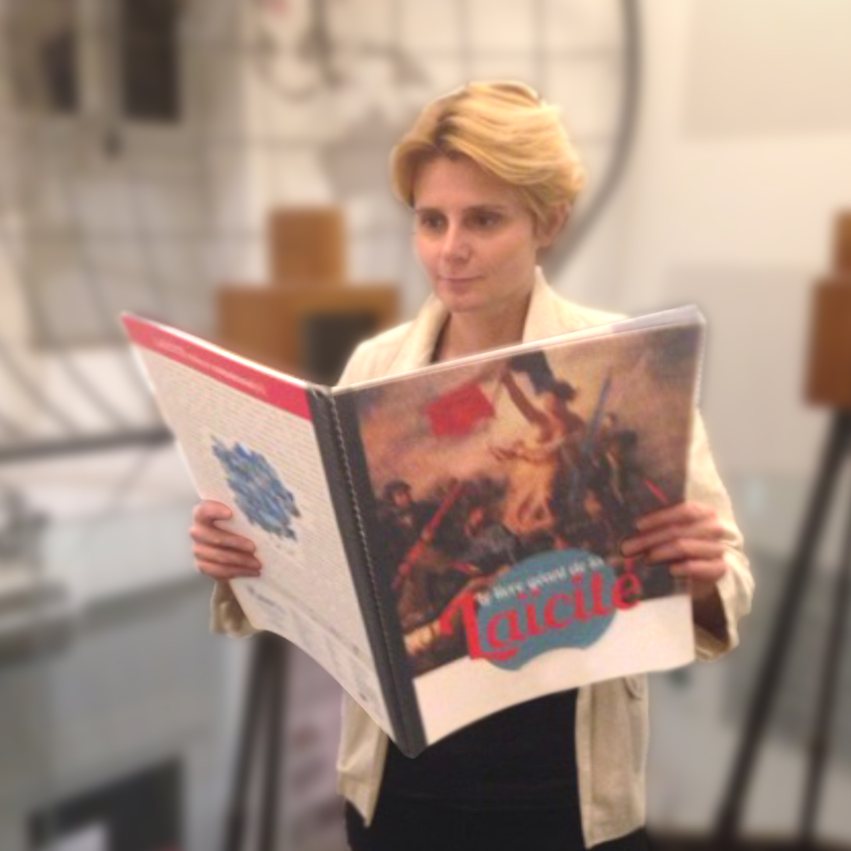 SOEURS D'ARMES par Caroline FOUREST au coeur de l'actualité